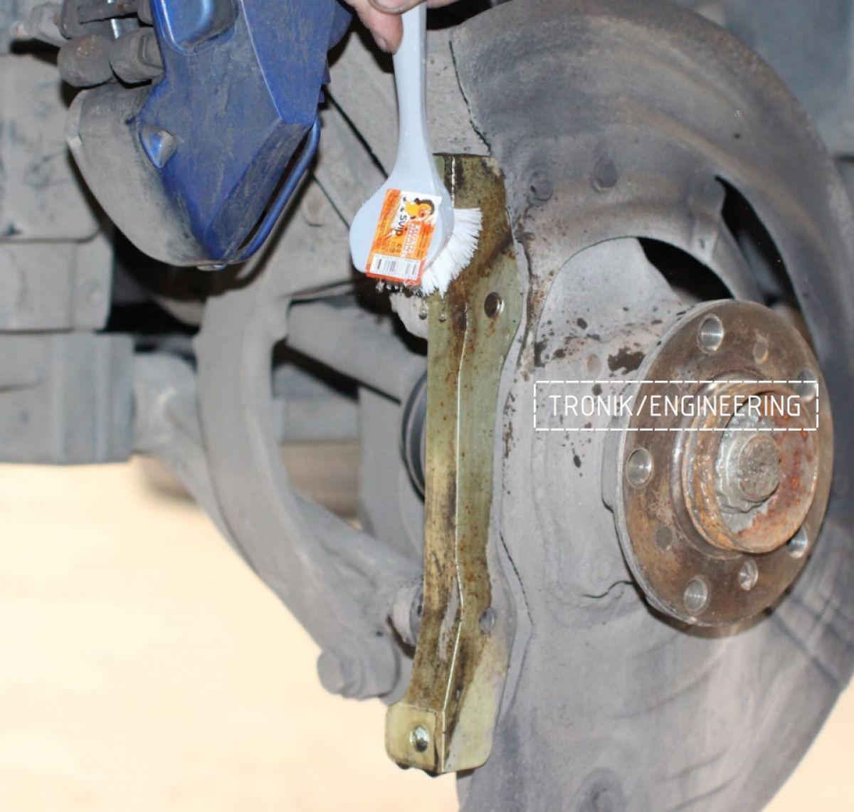 Замена тормозных колодок в многопоршневых суппортах Brembo. Фотография 10