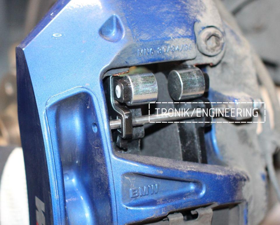 Замена тормозных колодок в многопоршневых суппортах Brembo. Фотография 15