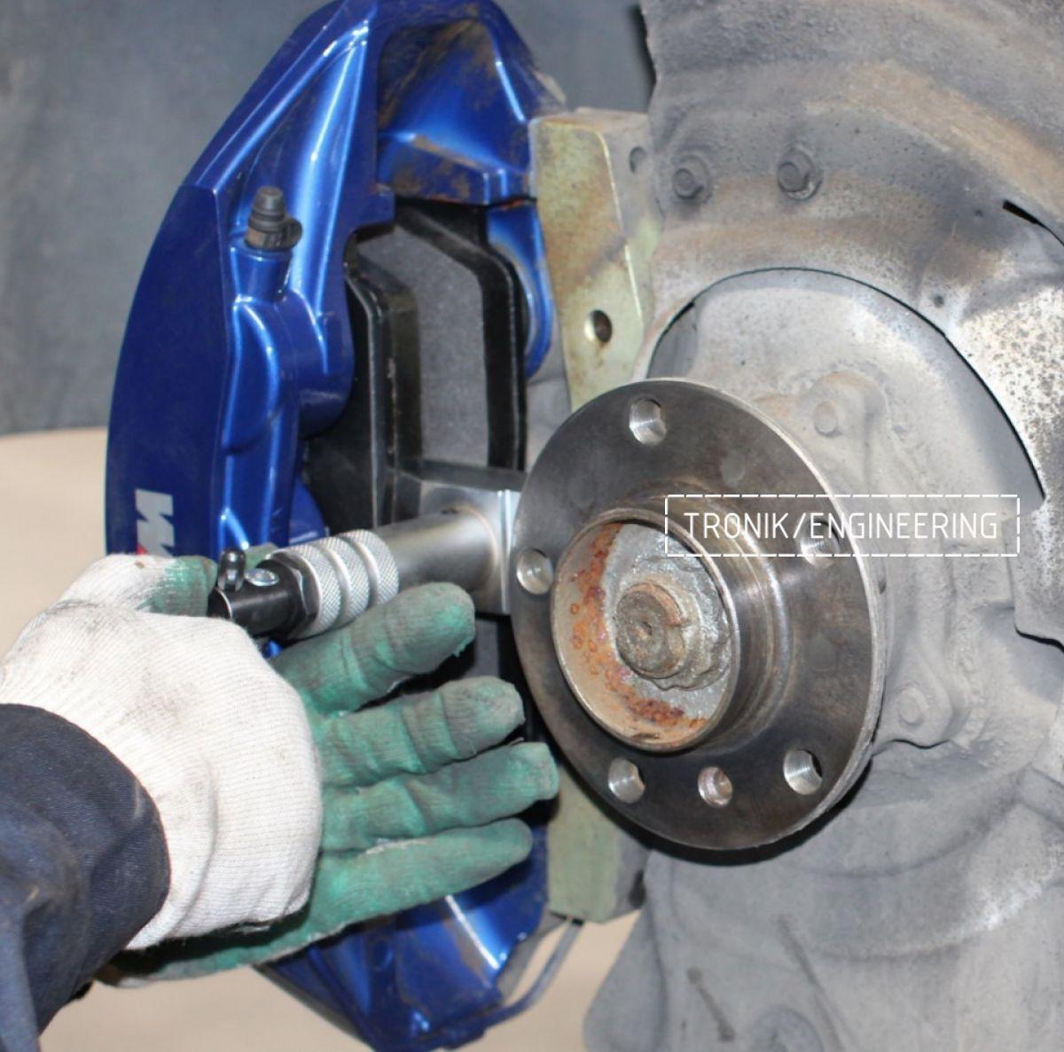 Замена тормозных колодок в многопоршневых суппортах Brembo. Фотография 16