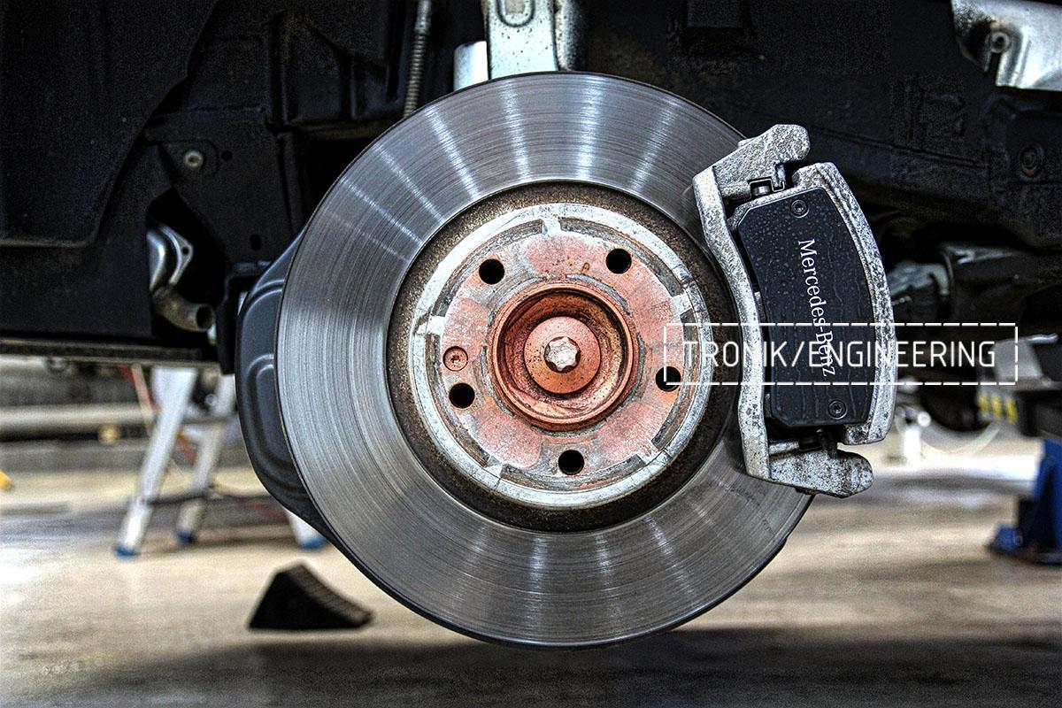 Штатный задний тормозной диск Mercedes-Benz G500