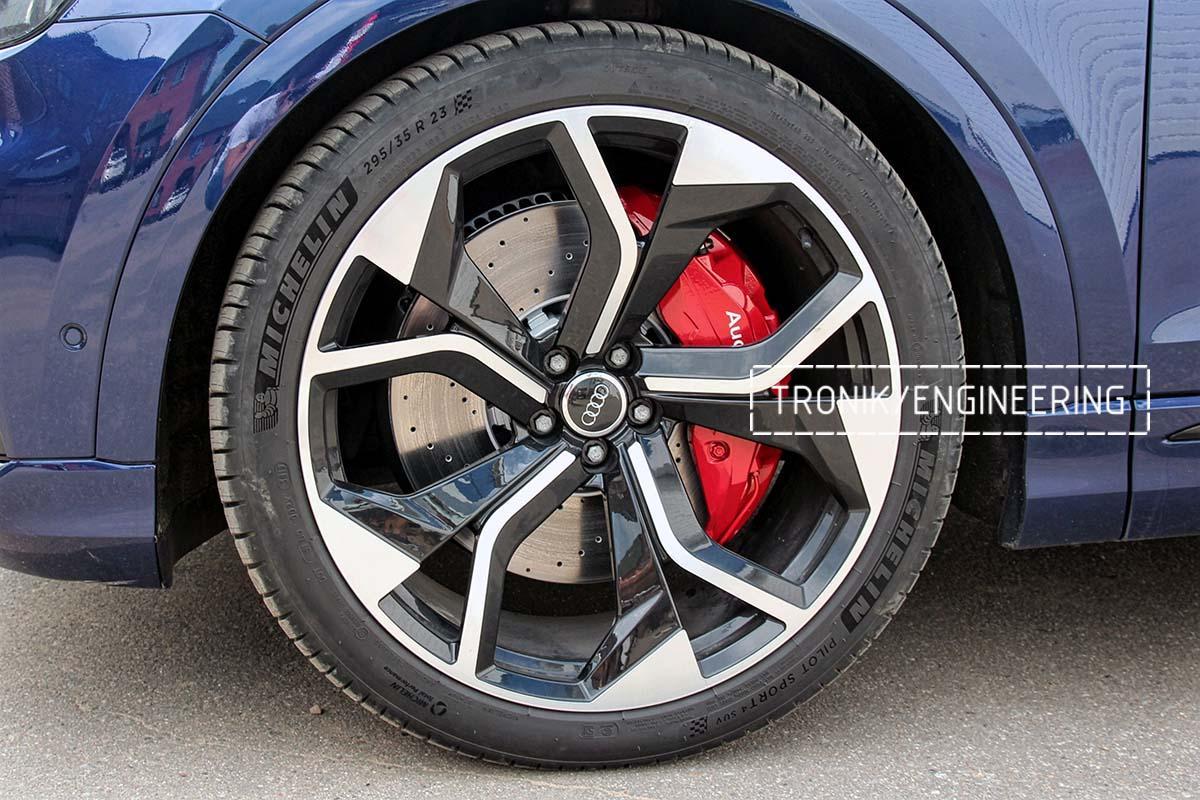 Тормозная система передней оси Audi RSQ8. Фотография 11