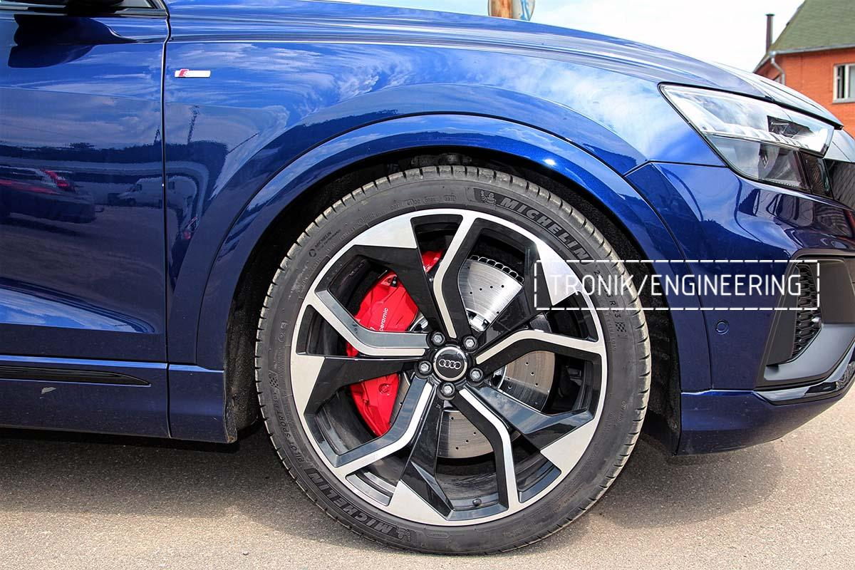 Тормозная система передней оси Audi RSQ8. Фотография 10