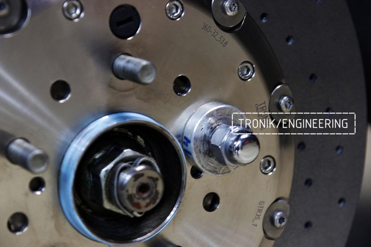 Комплект карбон-керамической тормозной системы Nissan GT-R. Фотография 10