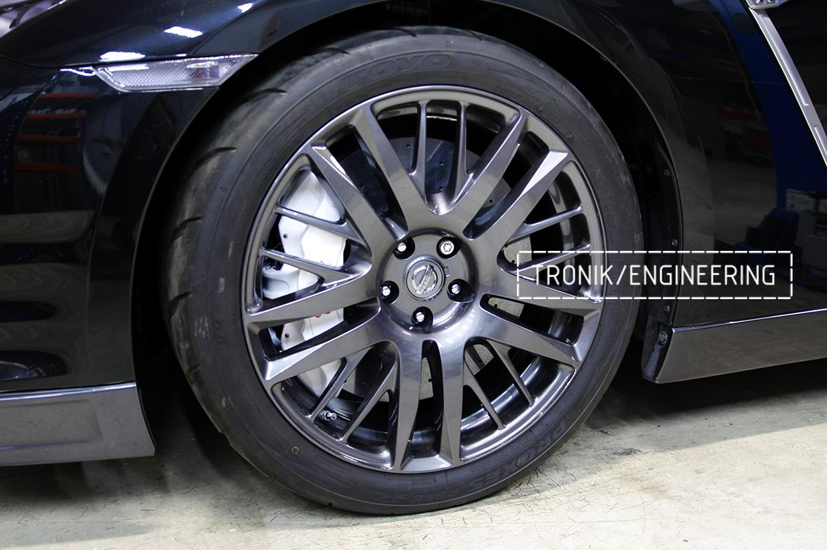 Комплект карбон-керамической тормозной системы Nissan GT-R. Фотография 14
