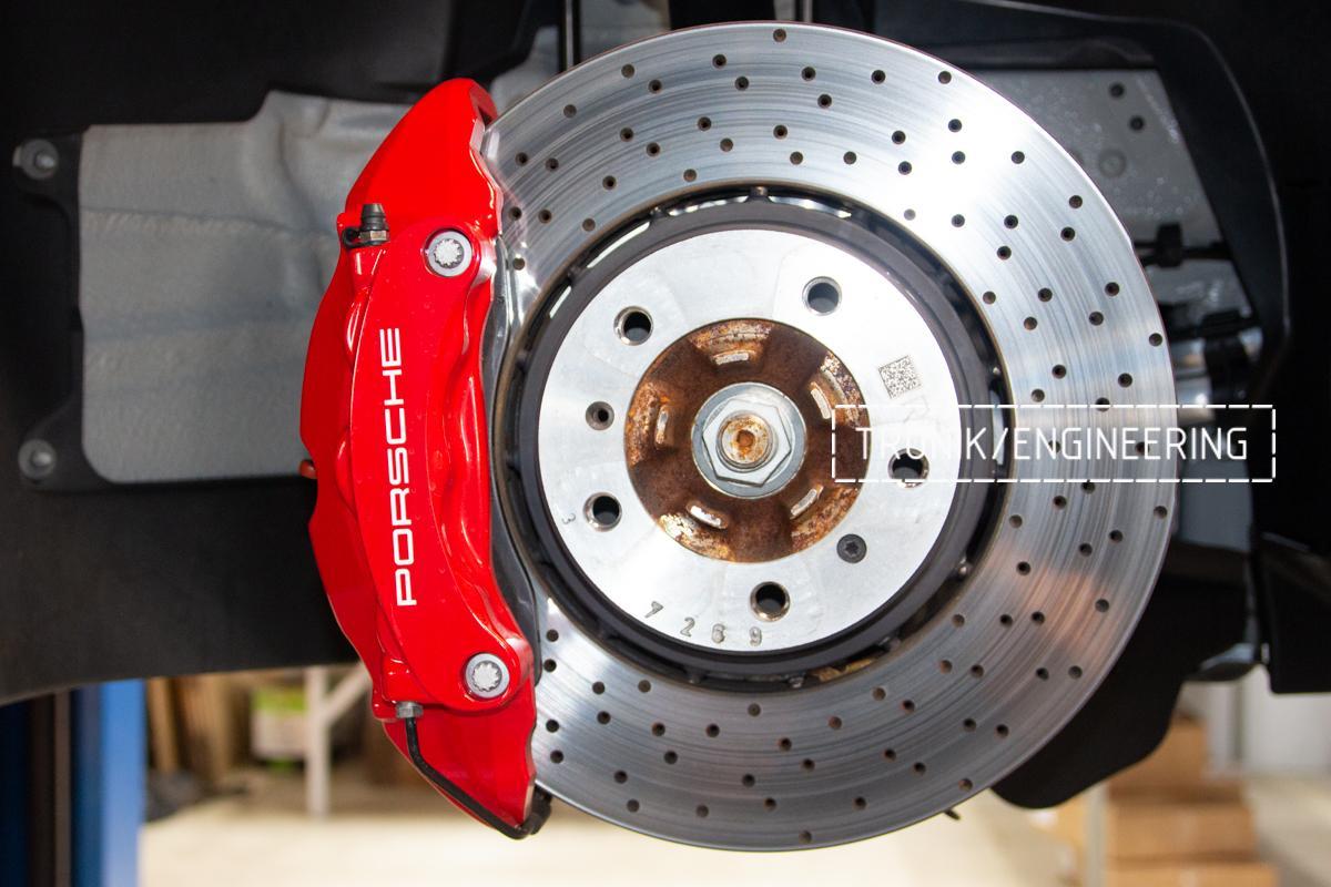 Карбон-керамическая тормозная система Porsche 992 Carrera. Фотография 3