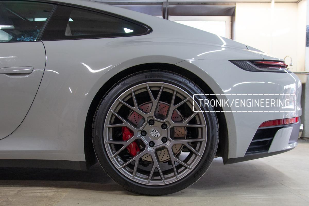 Карбон-керамическая тормозная система Porsche 992 Carrera. Фотография 2