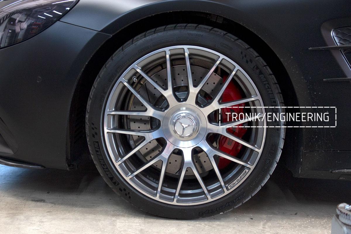 Комплект карбоно-керамической тормозной системы Mercedes-Benz SLS W231 63 AMG. Фотография 1