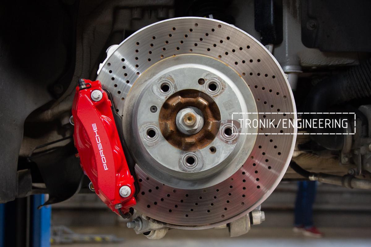 Карбон-керамическая тормозная система Porsche 992 Carrera. Фотография 4