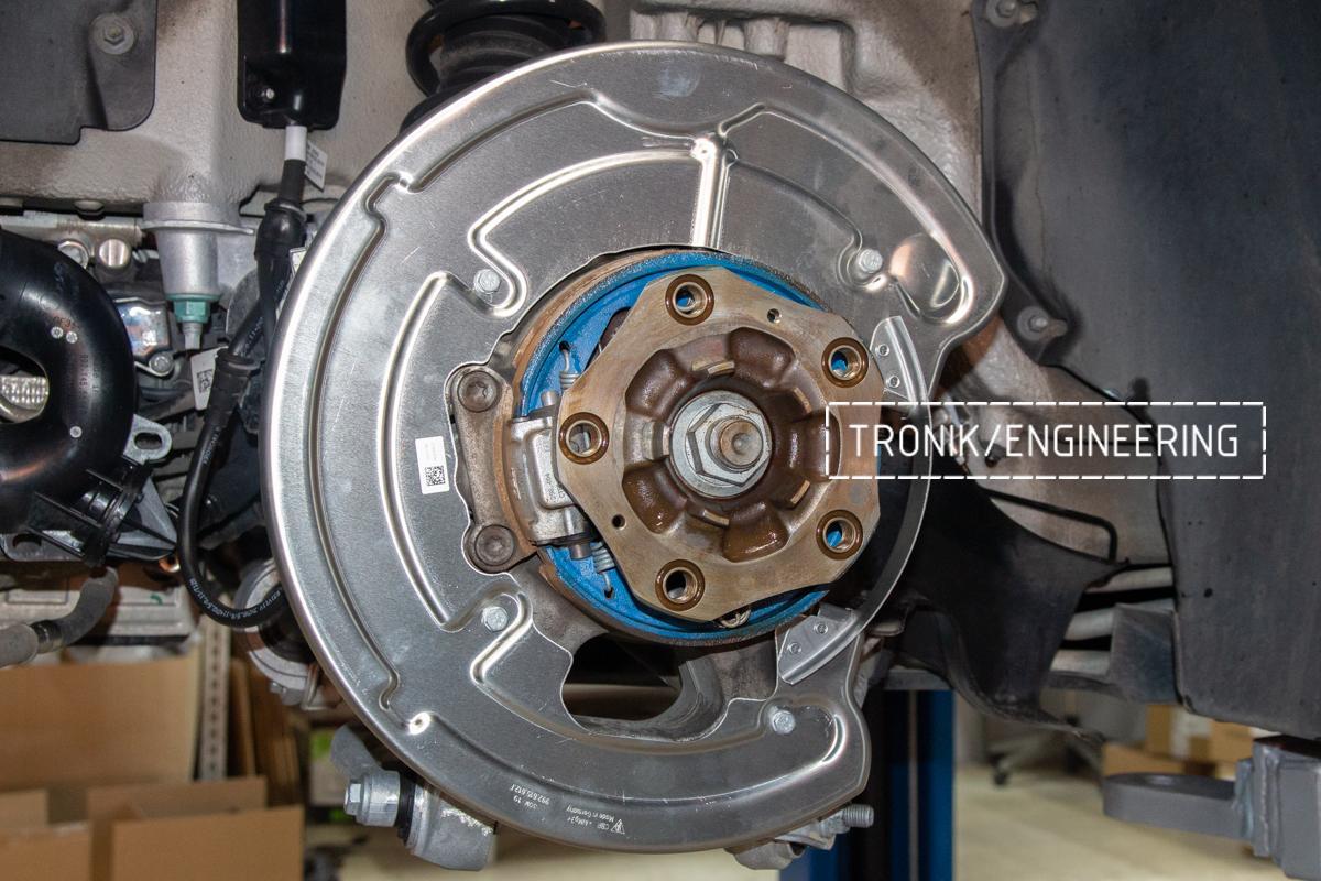 Карбон-керамическая тормозная система Porsche 992 Carrera. Фотография 13