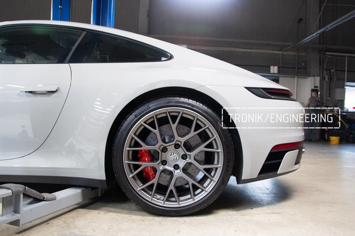 Карбон-керамическая тормозная система Porsche 992 Carrera. Фотография 19
