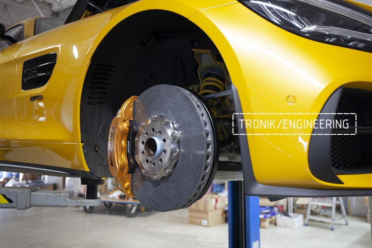 Карбон-керамическая тормозная система Mercedes-Benz AMG GT. Фотография 12