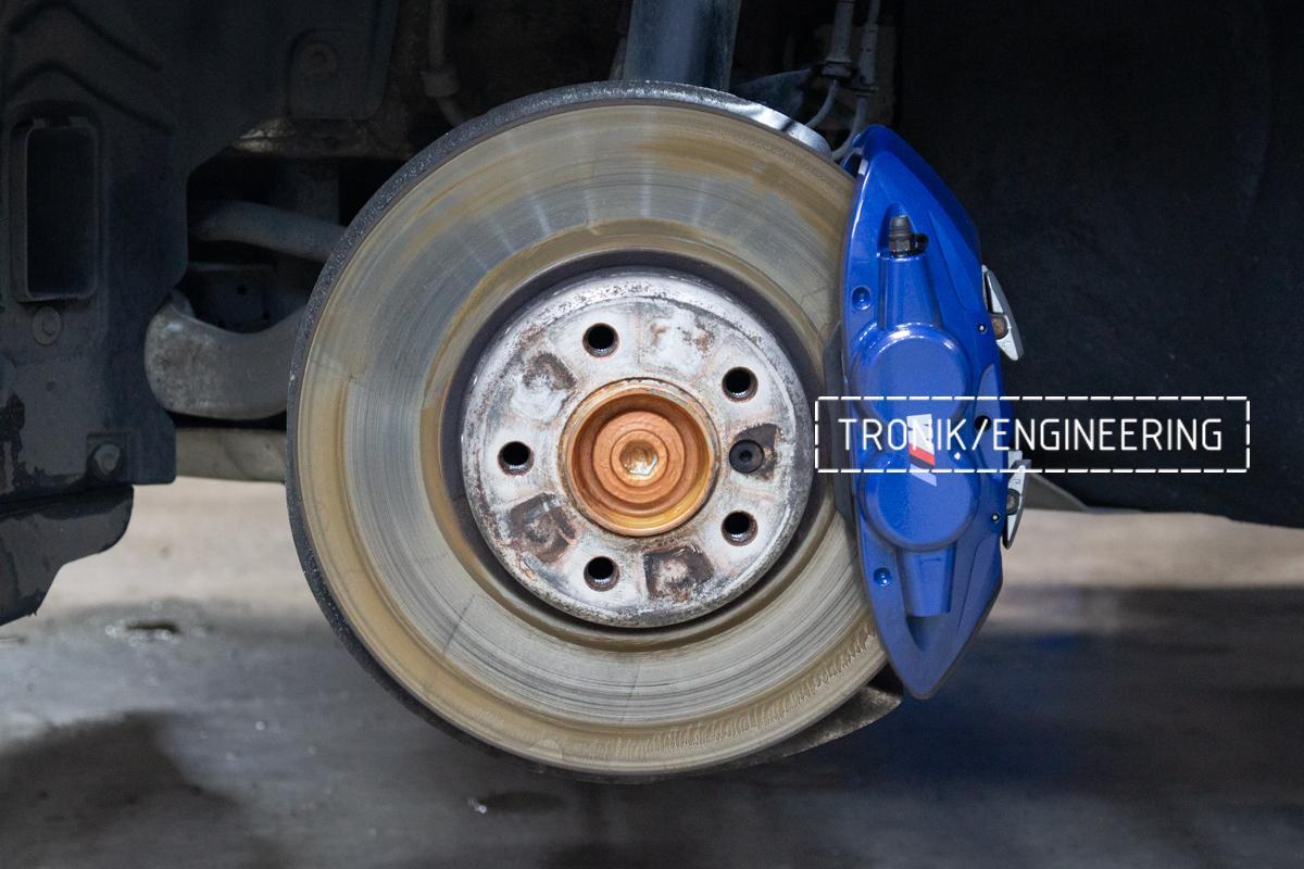 Комплект карбон-керамической тормозной системы BMW 240i F22. Фотография 1