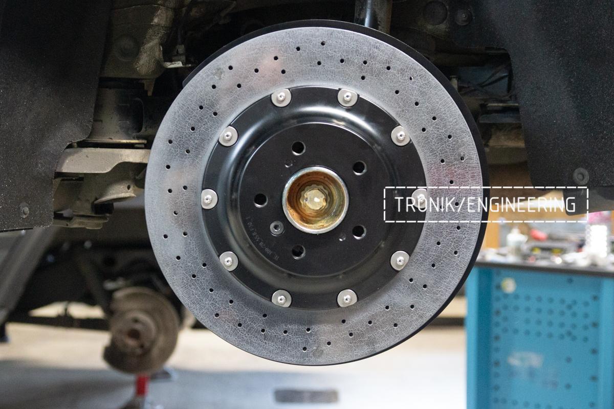 Комплект карбон-керамической тормозной системы BMW 240i F22. Фотография 9