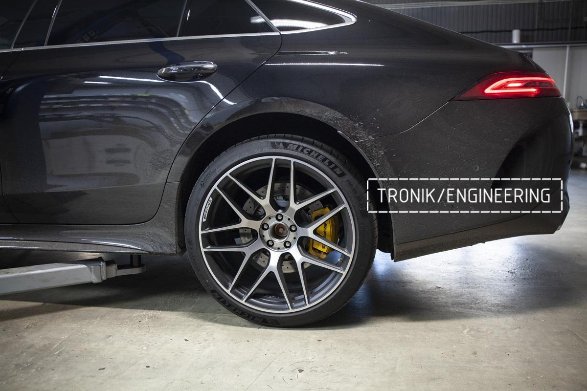 Карбон-керамическая тормозная система Mercedes-Benz AMG GT W290. Фотография 13