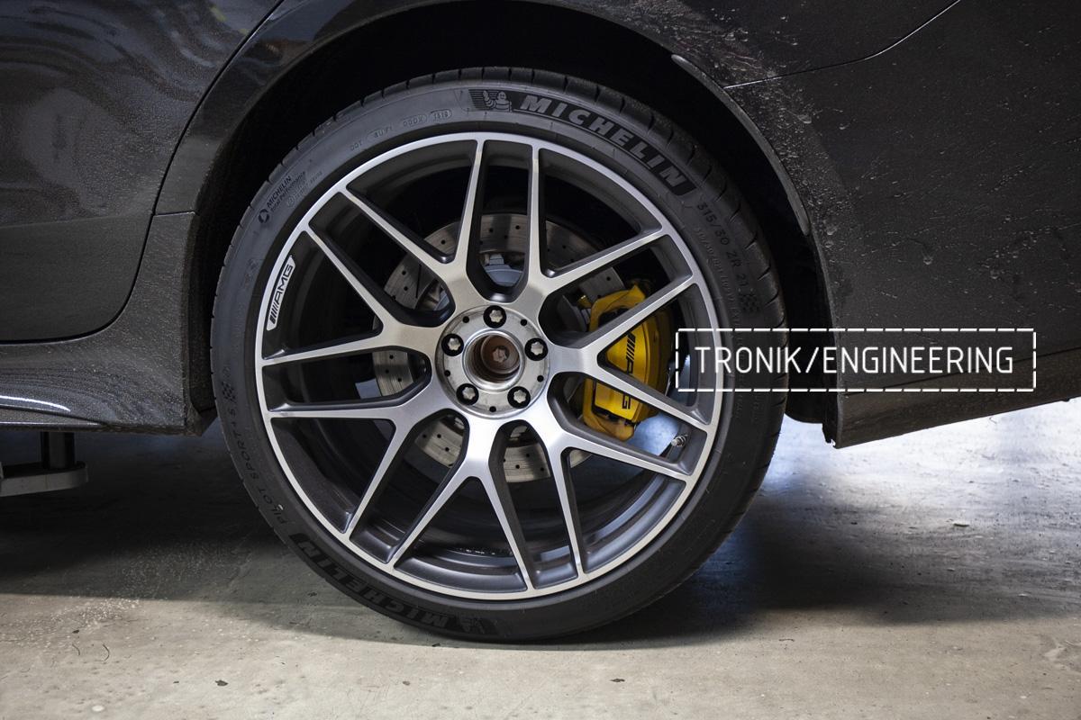 Карбон-керамическая тормозная система Mercedes-Benz AMG GT W290. Фотография 12