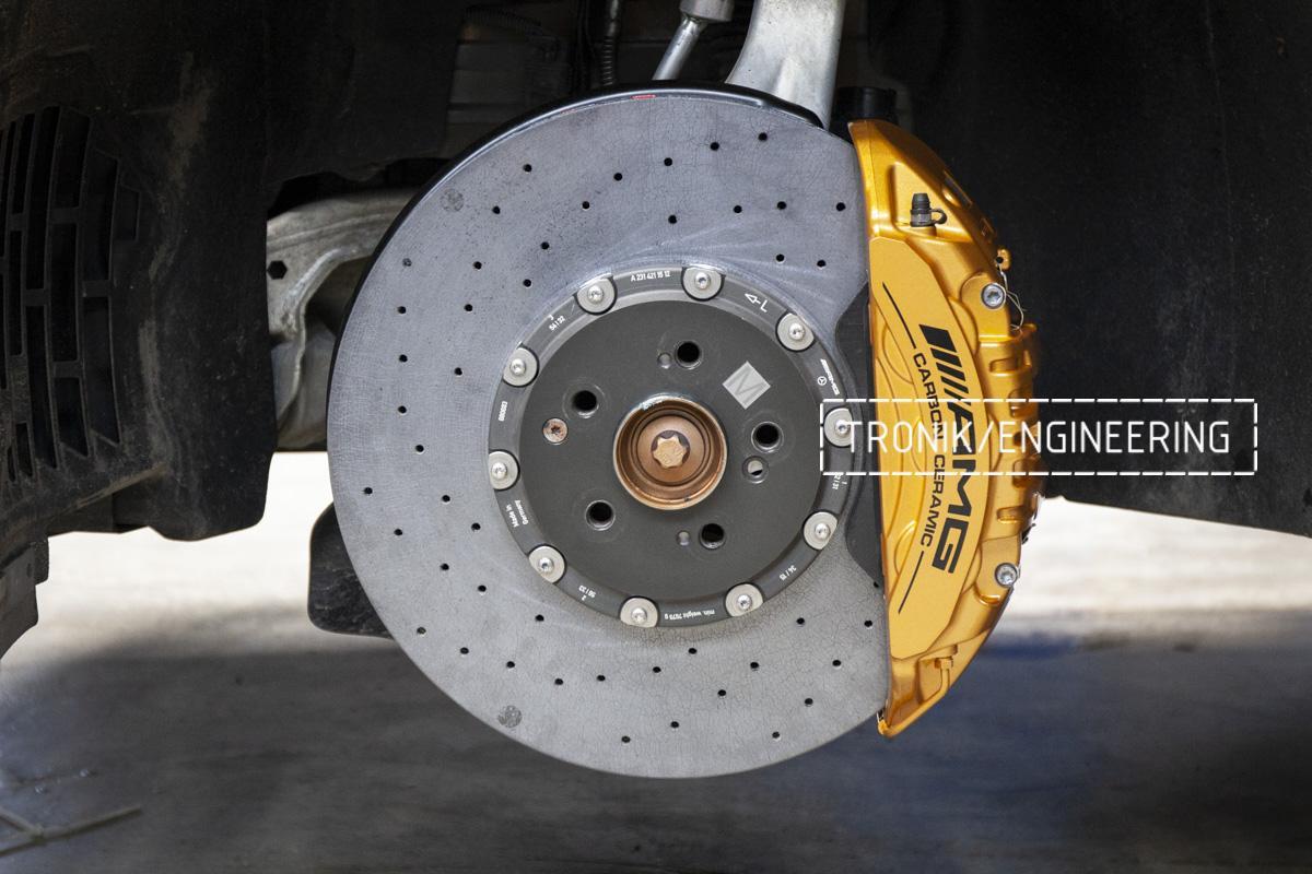 Карбон-керамическая тормозная система Mercedes-Benz AMG GT W290. Фотография 9