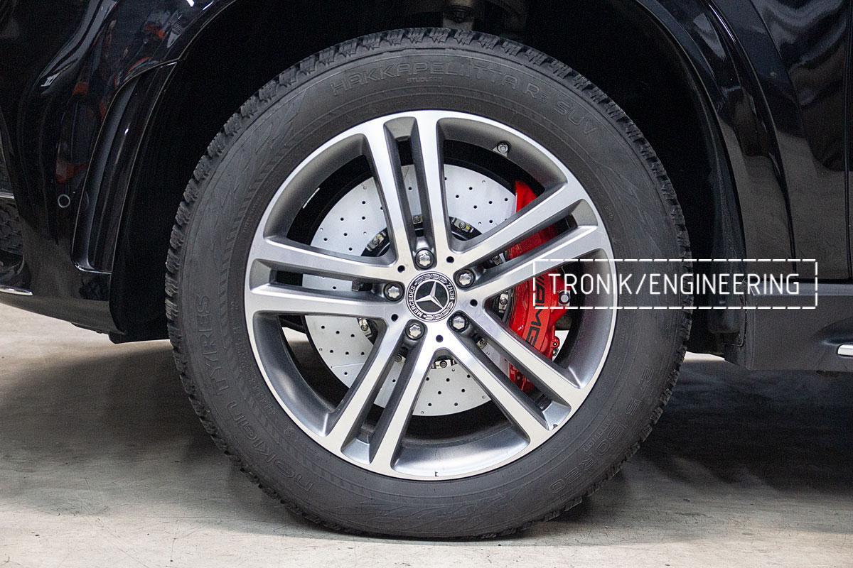 Установка тормозной системы на Mercedes-Benz W167. фото 12