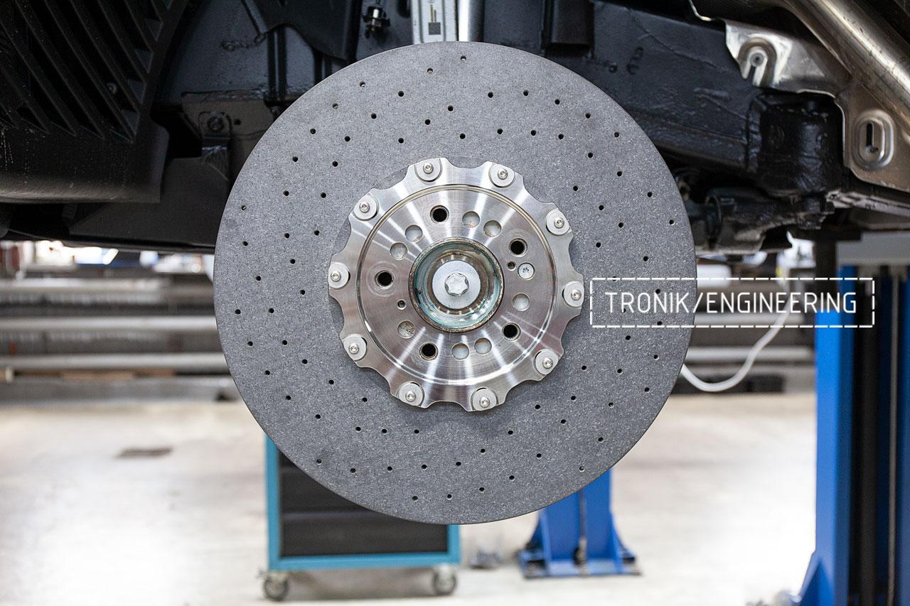 Передний карбон-керамический тормозной диск 440-40 мм