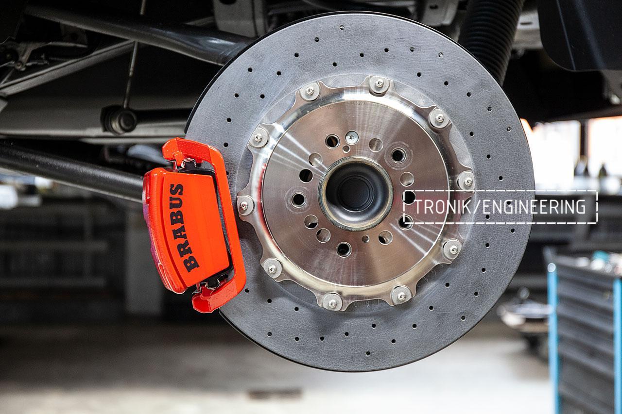 Задний карбон-керамический тормозной диск 410-32 мм и однопоршневой суппорт