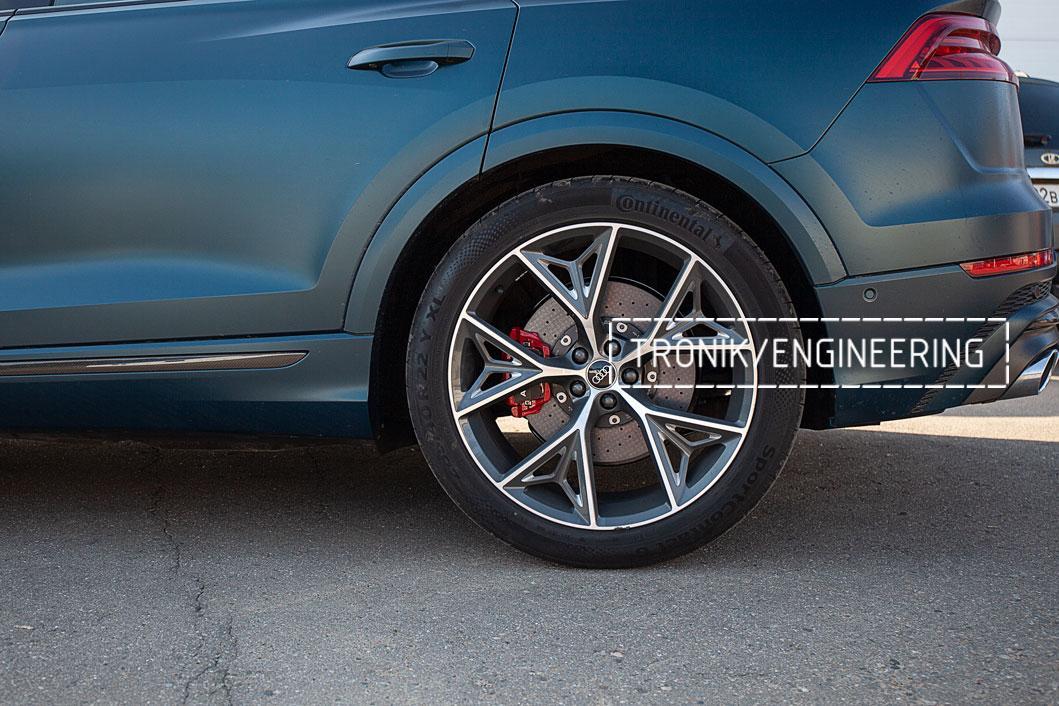 Audi SQ8 карбон-керамическая тормозная система. Фото 3