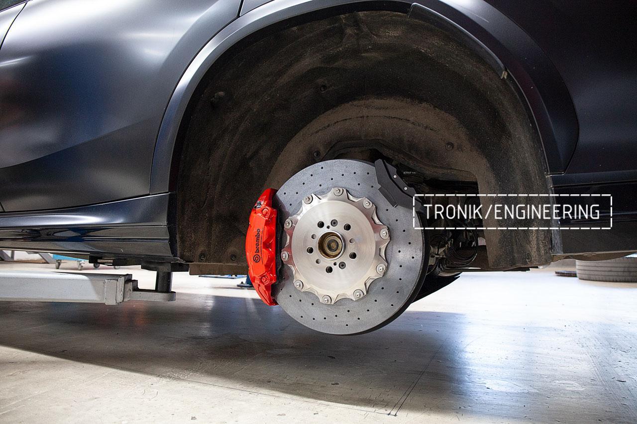 BMW F96 карбон-керамическая тормозная система. фото 5