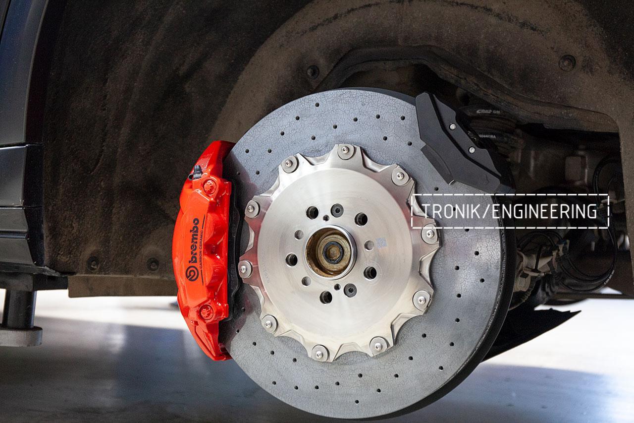 BMW F96 карбон-керамическая тормозная система. фото 6